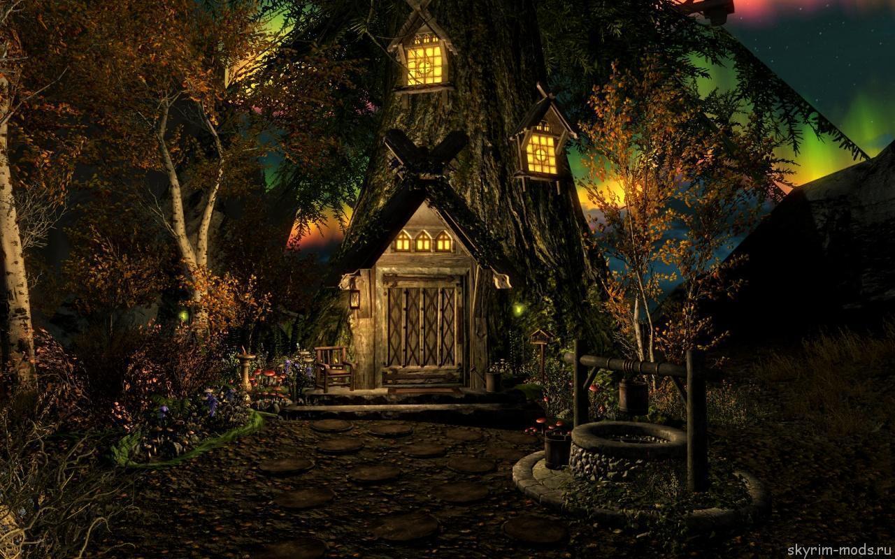 Уютный домик внутри дерева
