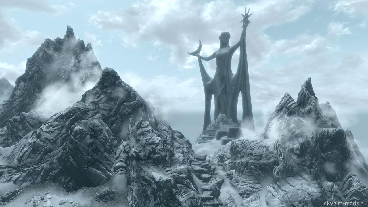 Гигантская статуя Азуры